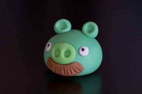 Angry Birds gris med overskæg