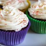 Opskrift på red velvet cupcakes med flødeost creme fyld