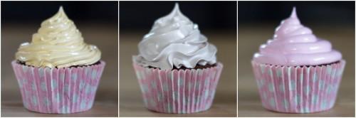 Cupcakes med farvet marshmallow frosting