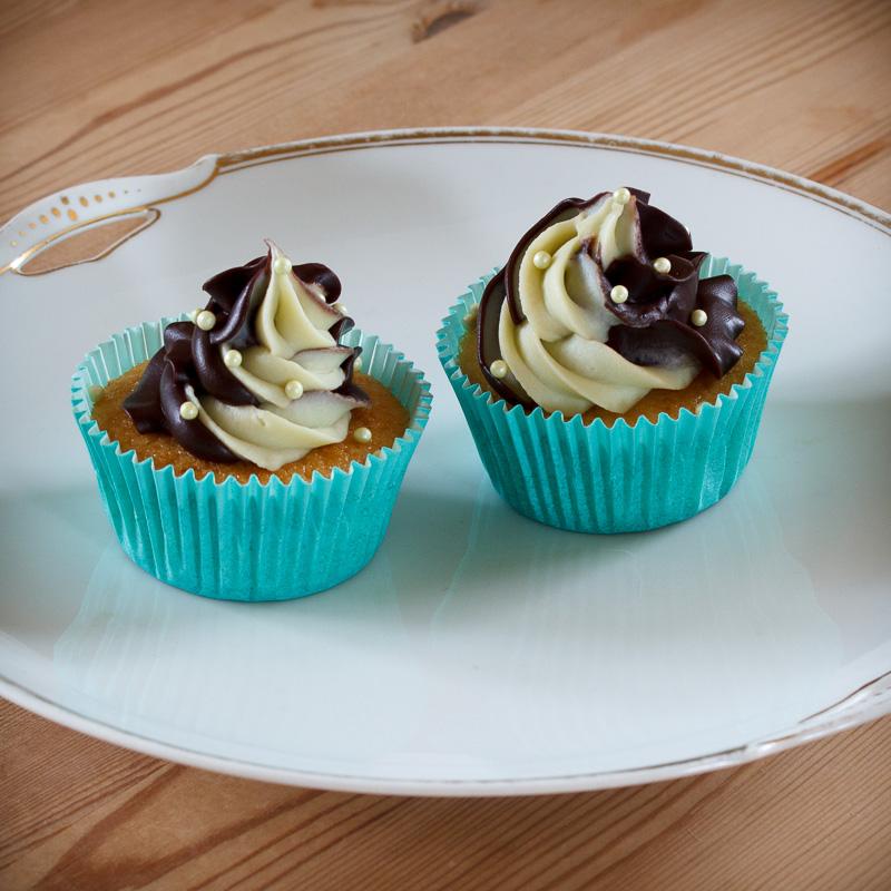 Cupcakes med chokolade og mint ganache topping