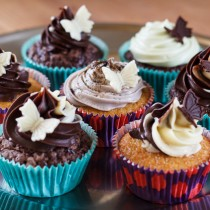 Cupcakes med ganache toppings